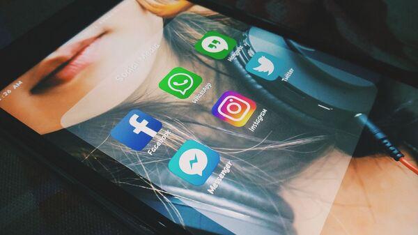 Las aplicaciones de Facebook y Messenger - Sputnik Mundo
