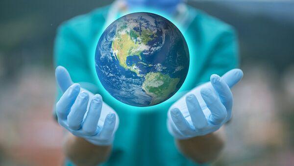 Un médico con el mundo en sus manos - Sputnik Mundo