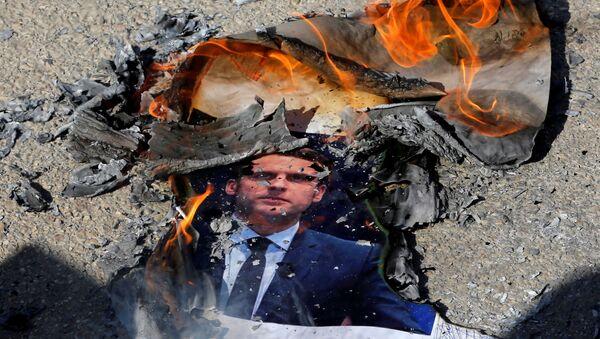 Protestas contra las declaraciones del presidente francés, Emmanuel Macron, en Palestina - Sputnik Mundo