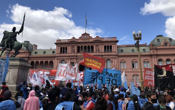 Las protestas por el desalojo en Guernica estuvieron frene a la Casa Rosada, sede del Poder Ejecutivo - Sputnik Mundo