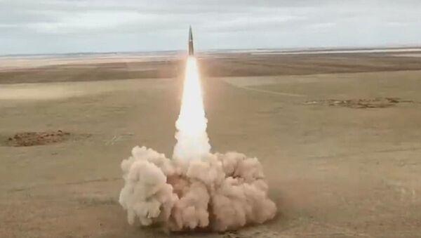 Los Iskander-M entrenan para destruir infraestructura crítica del 'enemigo' - Sputnik Mundo