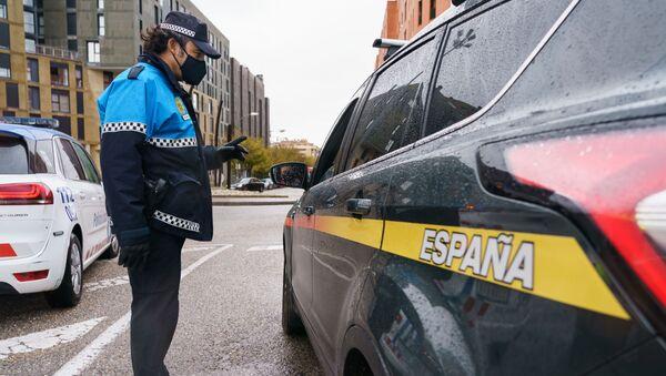 Control policial en Burgos (España) - Sputnik Mundo