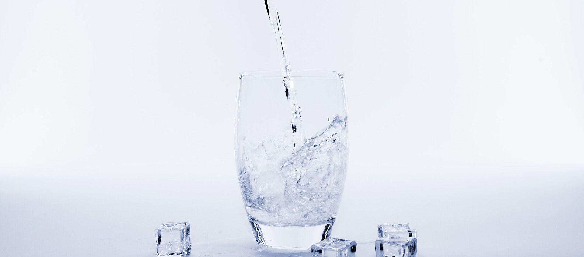 Un vaso de agua - Sputnik Mundo, 1920, 31.10.2020