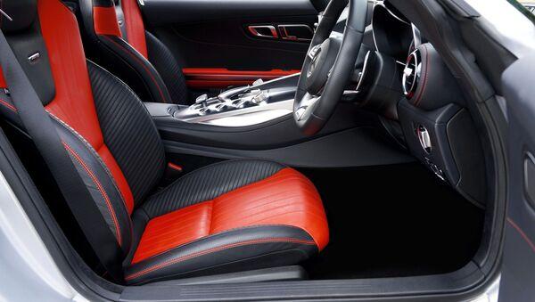Un auto con asientos de cuero (imagen referencial) - Sputnik Mundo
