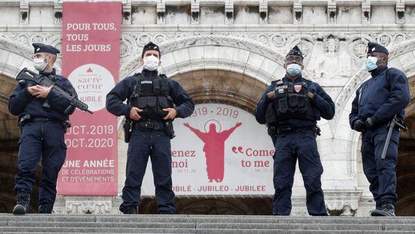 Policías franceses en Niza - Sputnik Mundo