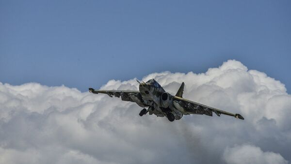 Un avión de asalto Su-25 de la Fuerza Aérea armenia (archivo) - Sputnik Mundo