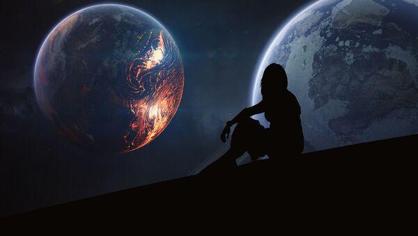 Una mujer en el espacio (imagen referencial) - Sputnik Mundo
