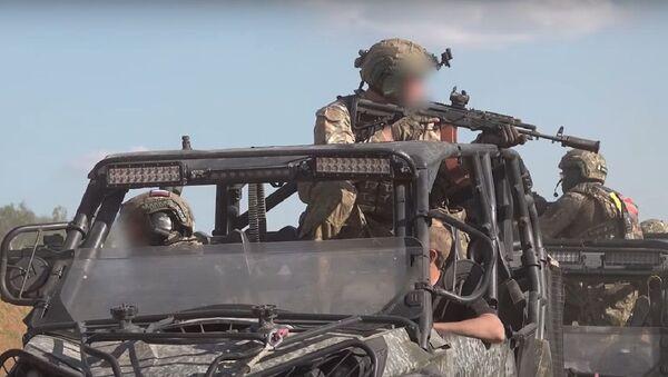 Fuerzas especiales durante un entrenamiento - Sputnik Mundo