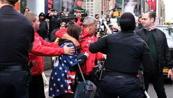 Las protestas en Nueva York tras las elecciones - Sputnik Mundo