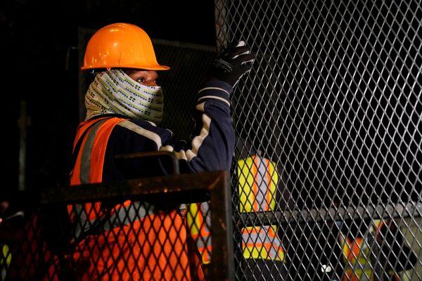Tableros de madera y vallas: así se prepara EEUU ante posibles disturbios tras las elecciones - Sputnik Mundo