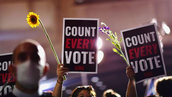 Activistas en EEUU tras las elecciones presidenciales - Sputnik Mundo