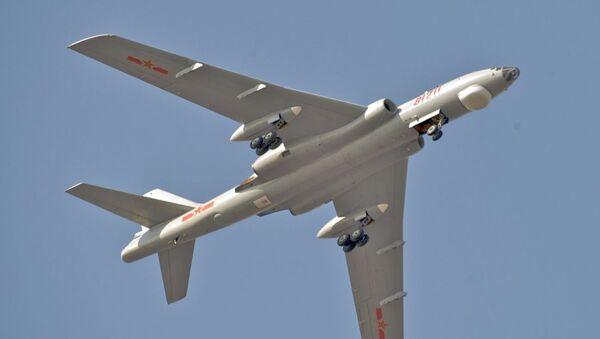 Un bombardero H-6M - Sputnik Mundo