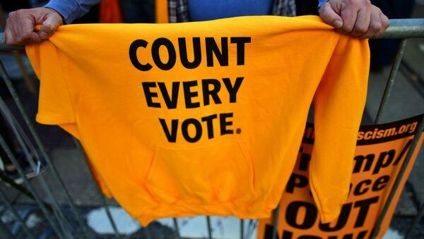 Protestas en Filadelfia tras las elecciones presidenciales en EEUU - Sputnik Mundo