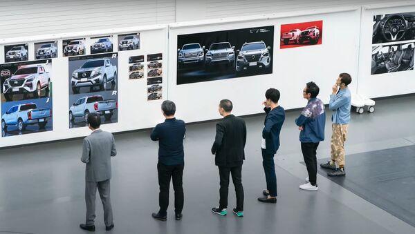 Una captura de pantalla de la presentación del Nissan Frontier - Sputnik Mundo