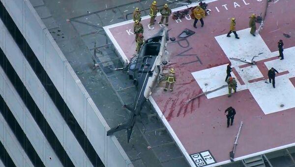 El accidente con el helicóptero ambulancia en Los Ángeles - Sputnik Mundo