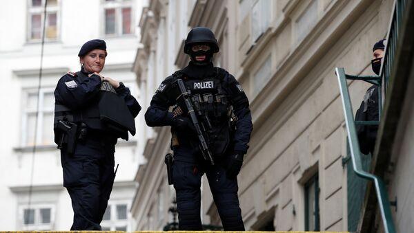 Policías en Viena, Austria - Sputnik Mundo