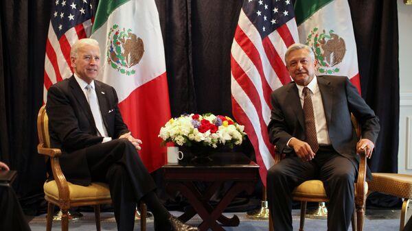 Joe Biden y Andrés Manuel López Obrador, 2012 - Sputnik Mundo