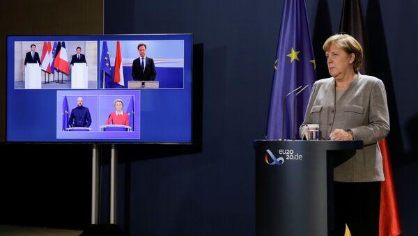 La canciller alemana, Angela Merkel, en una videoconferencia sobre extremismo islamista - Sputnik Mundo