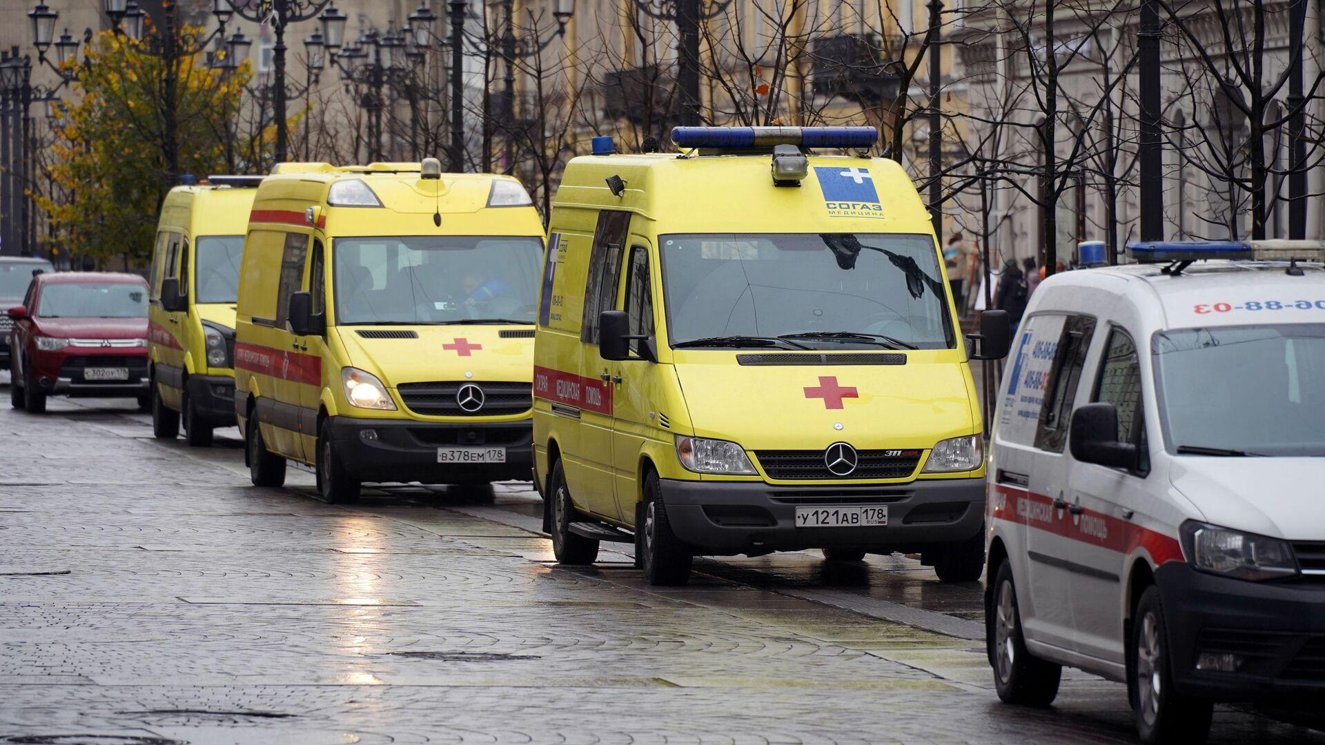 Ambulancias en Rusia durante brote de coronavirus - Sputnik Mundo, 1920, 18.03.2021