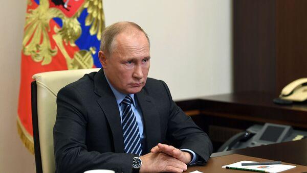Vladímir Putin, el presidente de Rusia, en una videoconferencia sobre Karabaj - Sputnik Mundo
