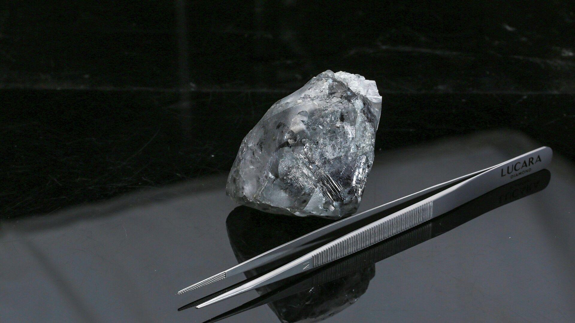El diamante blanco de 998 quilates encontrado en la mina de Karowe en Botswana - Sputnik Mundo, 1920, 17.02.2021