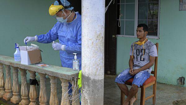 Profesionales de la salud realizan hisopados en el distrito de Arraiján, Panamá Oeste, Panamá - Sputnik Mundo