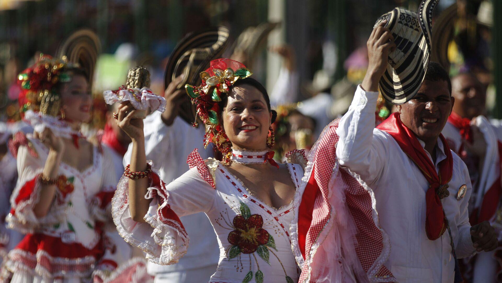 Bailarinas durante una edición del Carnaval de Barranquilla - Sputnik Mundo, 1920, 13.11.2020
