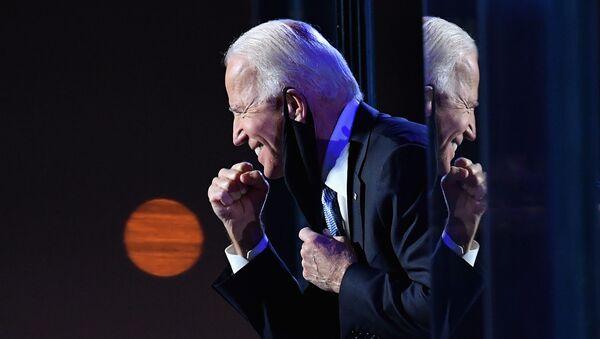Кандидат в президенты от демократов Джо Байден - Sputnik Mundo