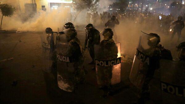 Protestas en Perú contra el nuevo Gobierno - Sputnik Mundo