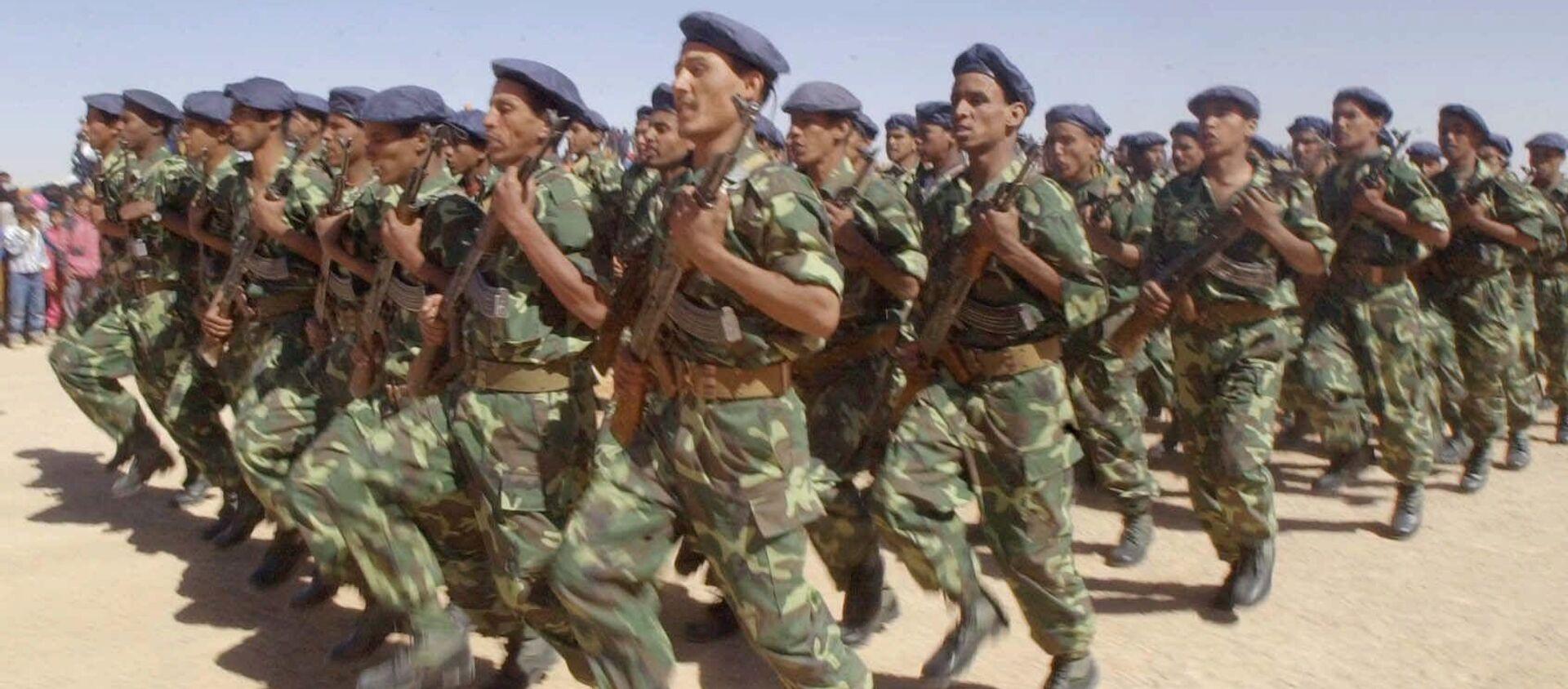 Unos soldados del Frente Polisario en 2001 (archivo) - Sputnik Mundo, 1920, 15.11.2020