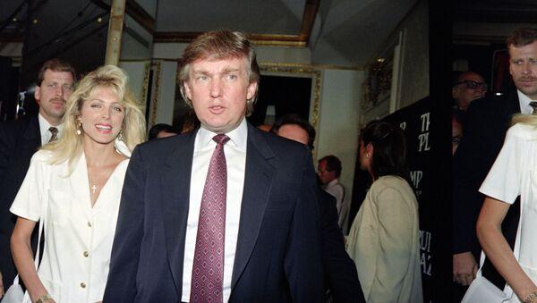 El millonario Donald Trump en el Hotel Plaza en Nueva York el año 1991 - Sputnik Mundo