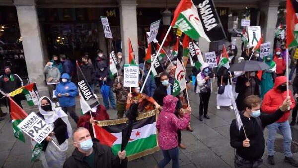 Manifestantes saharauis exigen un referéndum de autodeterminación   - Sputnik Mundo