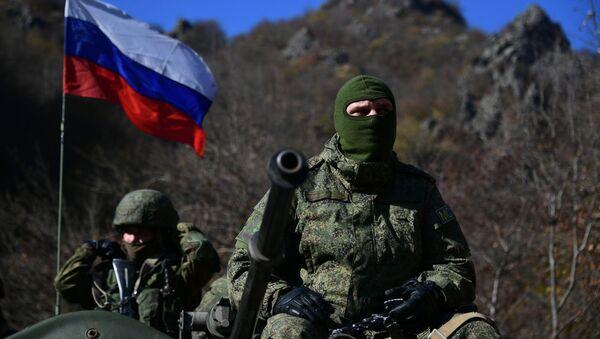 Casas en llamas y fuerzas de paz: así se ve Nagorno Karabaj tras el alto el fuego   - Sputnik Mundo