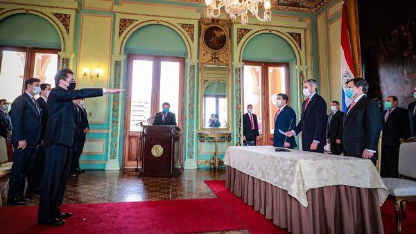 Juramento del nuevo ministro de Industria y Comercio, Luis Castiglioni - Sputnik Mundo