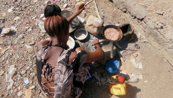 Una refugiada de Tigray en Sudán - Sputnik Mundo