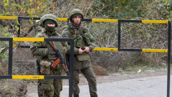Militares rusos cerca de Lachín en Nagorno Karabaj - Sputnik Mundo