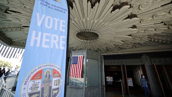 Centro de votación en Los Ángeles, California - Sputnik Mundo