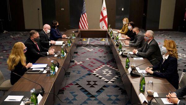Visita del secretario de Estado de EEUU, Mike Pompeo, a Tiflis, Georgia - Sputnik Mundo