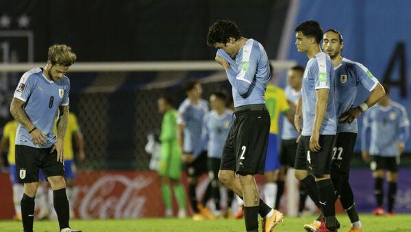 Futbolistas de Uruguay se lamentan tras la derrota contra Brasil en Montevideo por Eliminatorias para Catar 2022 - Sputnik Mundo