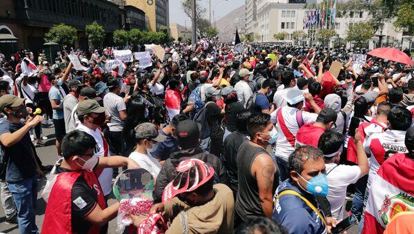 Protestas en Lima, Perú - Sputnik Mundo