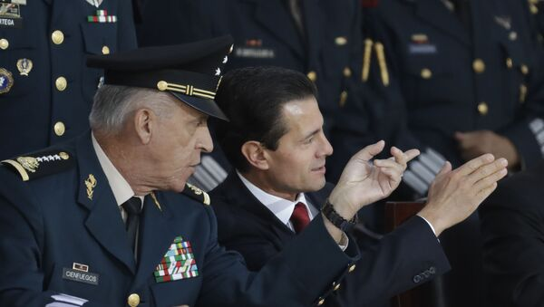 El exsecretario de Defensa de México, general Cienfuegos y el expresidente de México Enrique Peña Nieto - Sputnik Mundo
