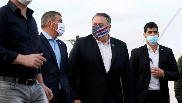 Mike Pompeo, secretario de Estado de EEUU, durante su visita a los Altos del Golán - Sputnik Mundo
