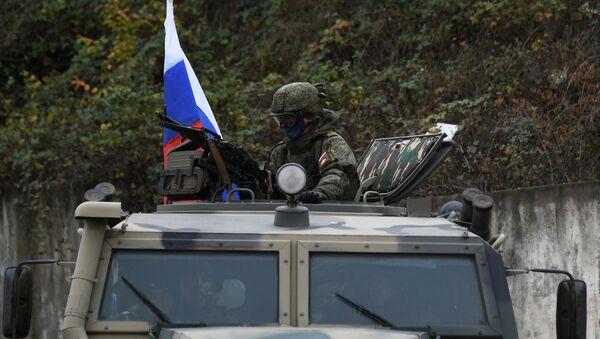 Las fuerzas de mantenimiento de la paz rusas en Nagorno Karabaj - Sputnik Mundo