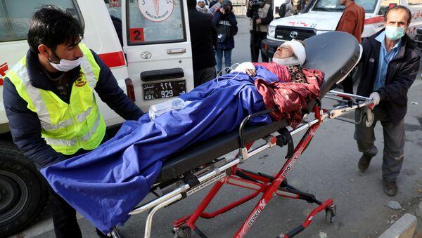Un herido en camino al hospital tras el ataque con cohetes en Kabul - Sputnik Mundo