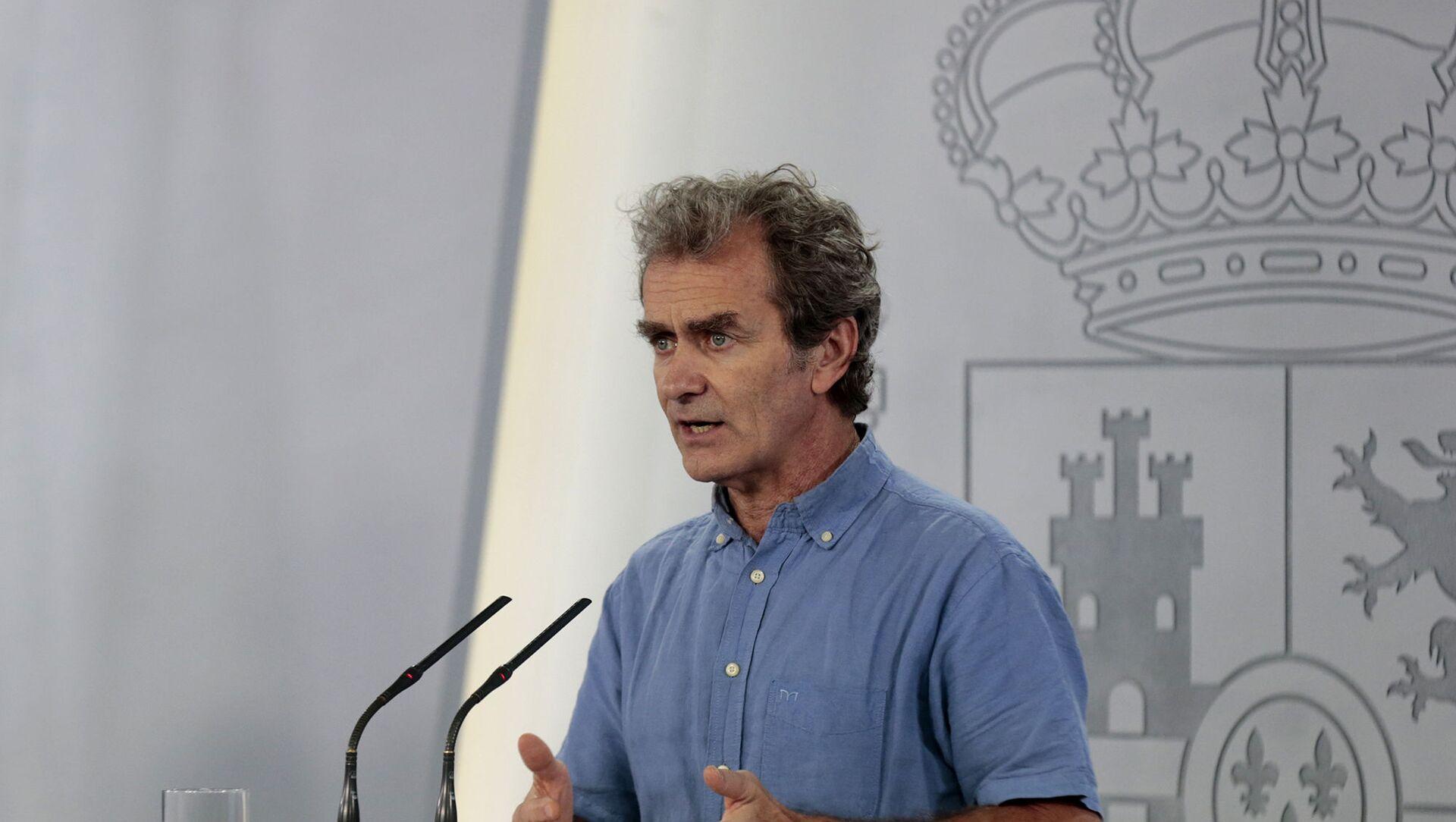 Fernando Simón durante una rueda de prensa para informar sobre la evolución del coronavirus en España - Sputnik Mundo, 1920, 04.02.2021