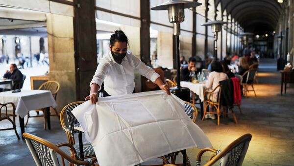Reapertura de restaurantes tras 40 días de cierre en Barcelona, España - Sputnik Mundo