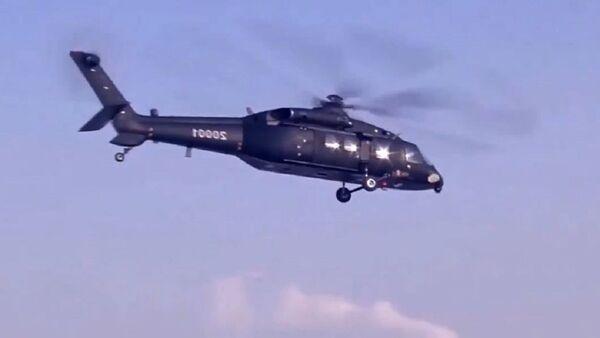 El helicóptero chino Z-20 - Sputnik Mundo