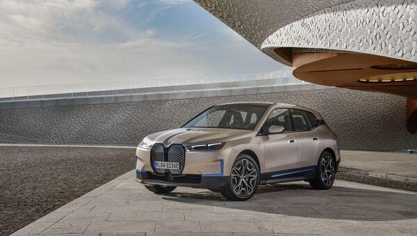 BMW iX, nuevo automóvil de BMW  - Sputnik Mundo
