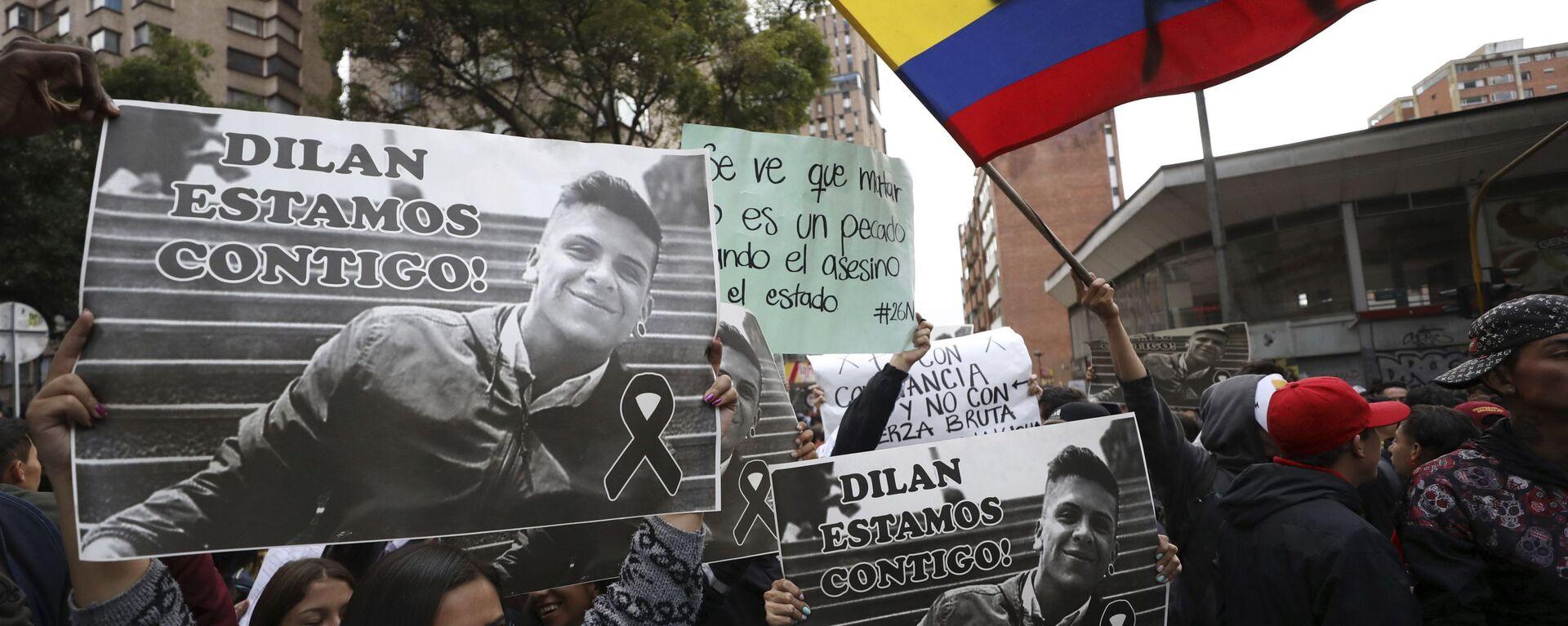 Jóvenes manifestándose por el joven Dilan Cruz en Colombia en 2019 - Sputnik Mundo, 1920, 18.06.2021