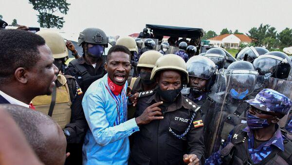 Detención del cantante y candidato presidencial Robert Kyagulanyi, conocido también como Bobi Wine, en Uganda - Sputnik Mundo